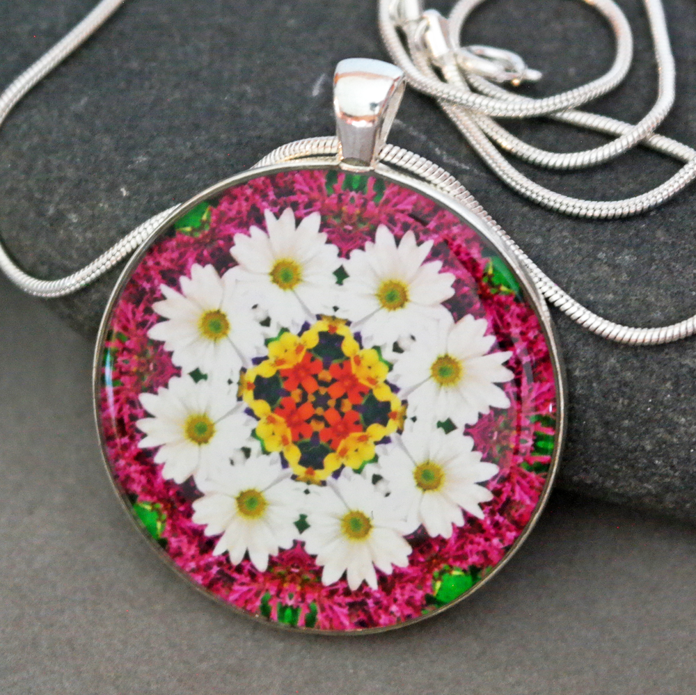Daisy Pendant Necklace Boho Chic Mandala New Age Sacred Geometry Kaleidoscope Reflections Of A Virtuous Love