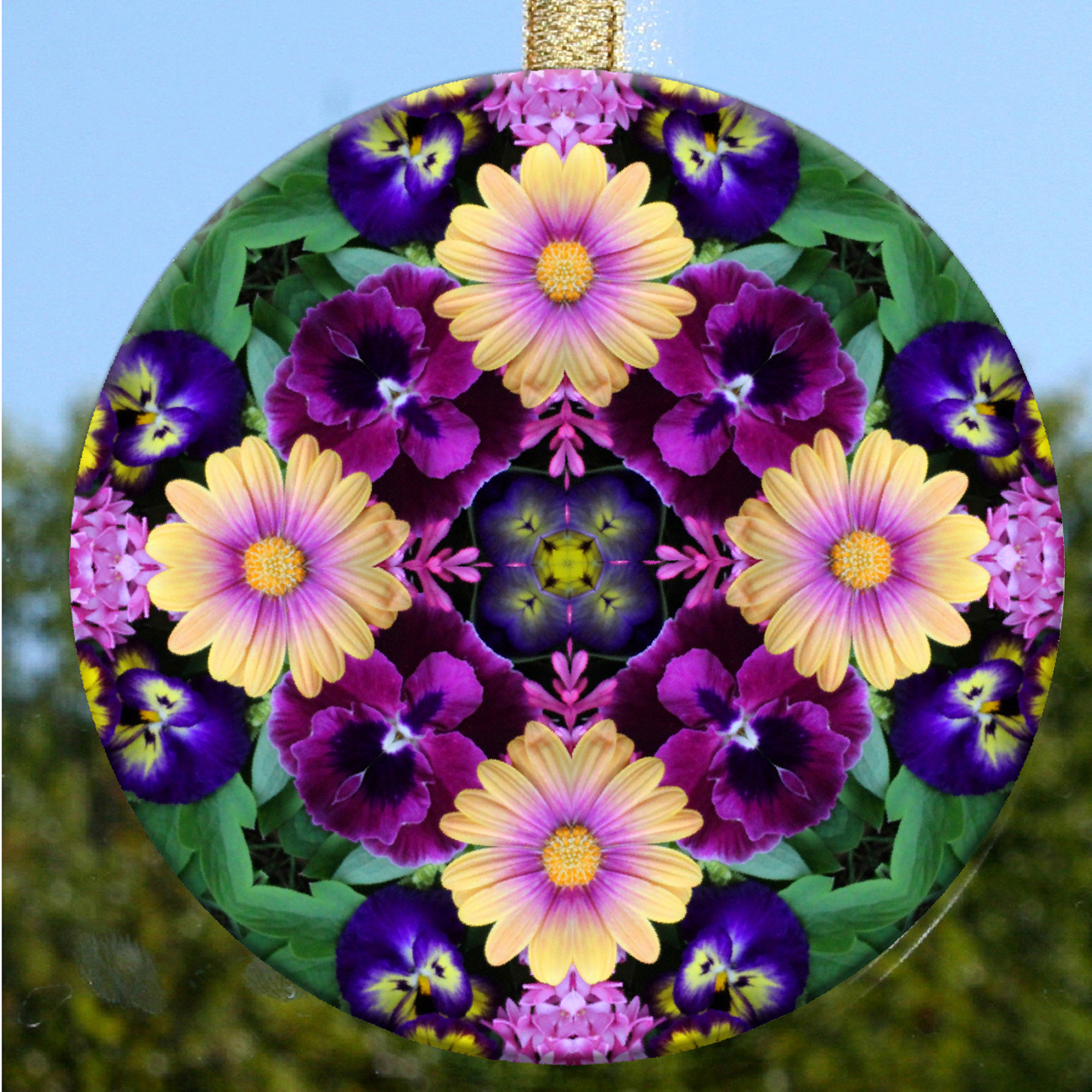 Daisy Glass Suncatcher Home Ornament Window Decor Unique Gifts Peaceful Ambiance
