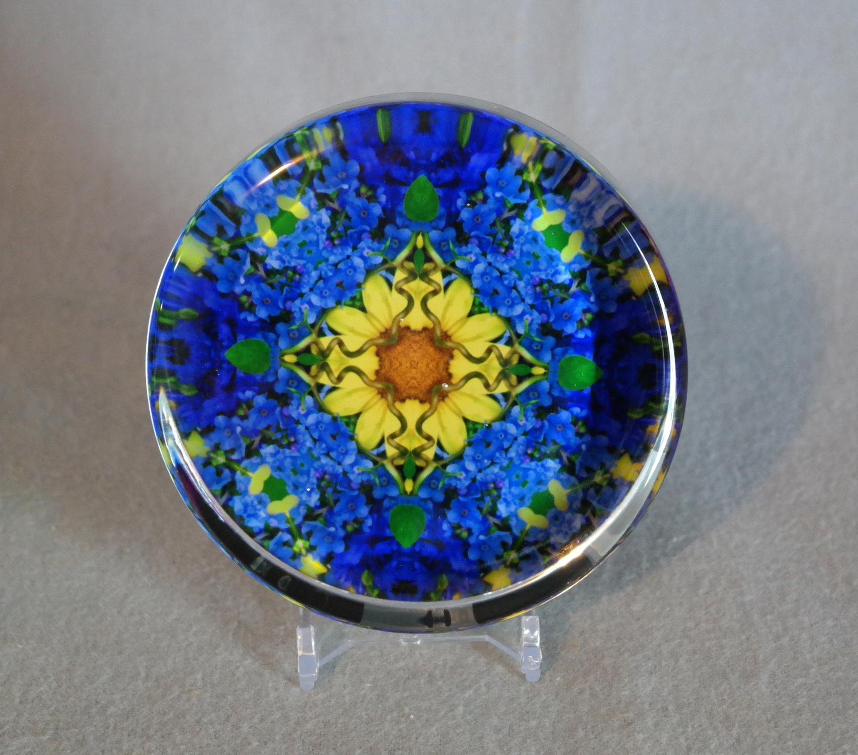 Glass Paperweight Forget-Me-Not Mandala Zen Sacred Geometry Kaleidoscopic Unforgettable
